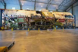 TWA Flight 800 wreckage from Boeing 747 ...