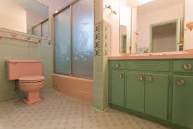awesome bathrooms. Perfect Awesome Retro Vintage 1950s Bathroom For Awesome Bathrooms D