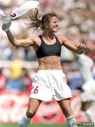 Why Women's World Cup champion Brandi Chastain bared her bra - BBC ...