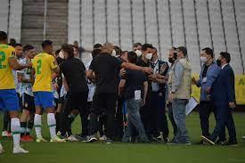 الأرجنتين ترفض استكمال لقاء البرازيل بعد محاولة إخراج زملائهم بالقوة.. صور  :اليوم السابع