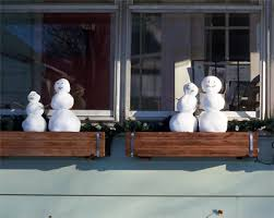 Christmas Window Box Decorations ljcfyi Window box snowmen 88
