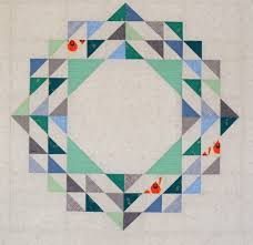 Hyacinth Quilt Designs: Hanging Around... & I just love this little guy peeking out from the design! Adamdwight.com