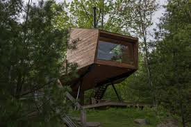 This secluded Catskills treehouse may be one of the coolest vacation