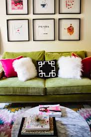 Pink And Green Living Room 25 Best Ideas About Green Couch Decor On Pinterest Green Sofa
