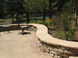 patio seating wall surround