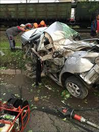Horrific car crash severs head and hand of 18 year old female passenger