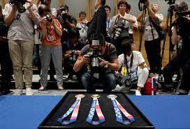 صور  مصمم ميداليات أولمبياد طوكيو 2020 ينتقل فجأة إلى دائرة المشاهير – قناة  الغد