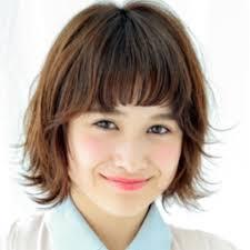 Garden羽田ひろむさんのヘアスタイル カジュアル外ハネショートボブ