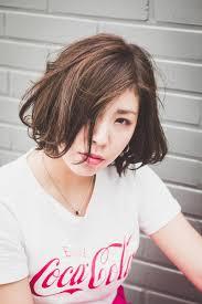 韓国ヘアスタイル 笑顔がかわいい日本の美容師ひとみさんと可愛いヘア