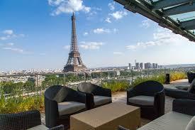 La Suite Shangri La Est Sans Conteste La Plus Belle Vue De Paris La Terrasse Suite
