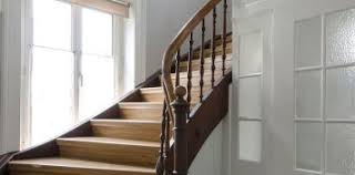 In einigen landstrichen wird er auch speicher, dachkammer, balken, söller, oller, zolder oder bühne genannt. Treppen Aus Polen Mores Treppen De