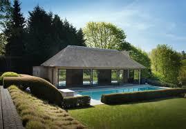 pool house. 1 Pool House