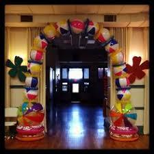 Decorating With Beach Balls Make a Beach Ball Party Arch Beach ball Arch and Beach pool 2