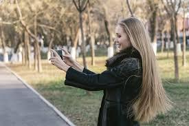 直毛の髪型まとめ女性におすすめのストレートスタイルやセット方法とは