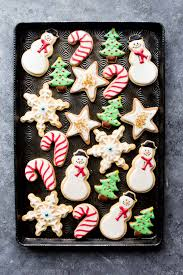 create beautiful decorated sugar cookies with this awesome sugar cookie and royal icing recipe