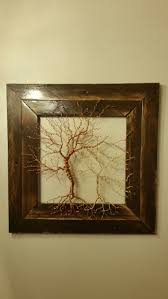Wire tree with pallet wood frame