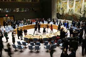 """مجلس الأمن يتبنى قرارا يدعو طالبان إلى ضمان """"خروج آمن"""" للأفغان الراغبين  بالرحيل"""