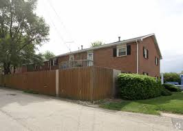 3 Bedrooms 3 Beds $1,300. Home Illinois Joliet Glenwood Apartments. Primary  Photo   Glenwood Apartments