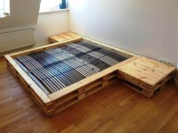 reclaimed wooden pallet bed