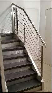 relooking d un escalier en bois dans un appartement d aix en