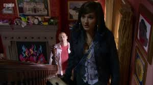 In the show she is probably about 40, i may be wrong. Tracy Beaker Returns Elektra Tv Episode 2011 Photo Gallery Imdb