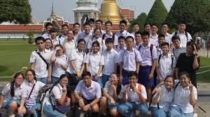 <b>School uniforms</b> by country - Wikipedia