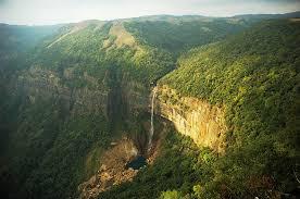 the world s beauty and diversity travel away everlasting beauty nohkalikai falls cherrapunjee