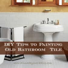 painting tile in bathroom. diy tips to painting old bathroom tile . in