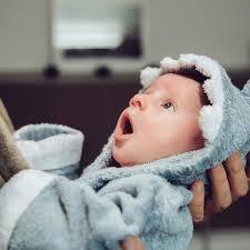 So Pflegen Sie Die Haut Und Die Haare Ihres Babys Richtig Die