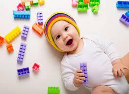 Trò chơi cho bé 7 tháng tuổi phát triển thông minh - Mamamy