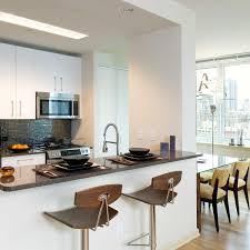 Chelsea Landmark - Nice apartment building interior