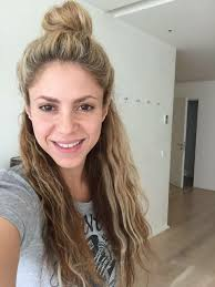 shakira hair bun and half down free makeup no makeup beauty makeup