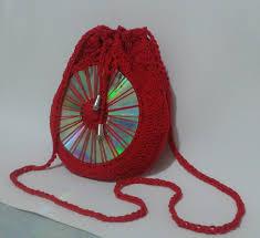 Resultado de imagem para bolsinha feita com cd velho e crochê