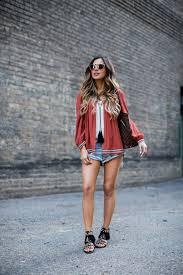 fashion blogger mia mia mine in a summer outfit