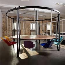 London Office Design Simple Mesa Já Vem Com Cadeiras De Balanço E Custa R 48 Mil Office
