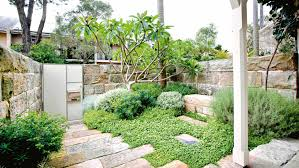 Courtyard Garden Sandstone Dec Design And Landscaping Home Q Dxy Urg C