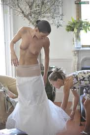 Slutty Nude Brides Pic w Hot and Naughty Bridesmaids.