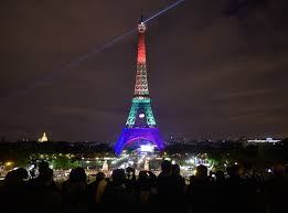 Eiffel Tower Light Show 2017 Orlando Shooting See The Eiffel Tower Lit Up For Victims
