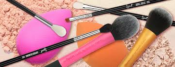 essential makeup brushes that every