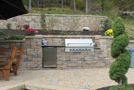 cooking with outdoor kitchens