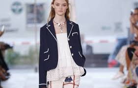 spring 2017 woman fashion show tory burch navy jacket crop