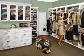 4 things to consider when installing an affordable custom closet