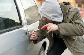 Resultado de imagem para ladrões tentam furtar dois veículos