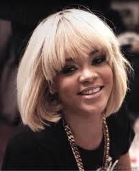 blonde bob hairstyle of rihanna