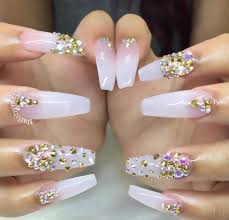 Clear nails with a sparkly twist. Almost look ombré. | Arte de ...