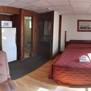 photo of royal crest motor inn hton nh united states king bed