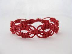 Macrame Bracelet Patterns Extraordinary This Tutorial Shows How To Make An Easy Wavy Macrame Bracelets For