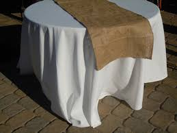 Burlap Round Table Overlays Becoming The Piersons Diy Burlap Table Runners
