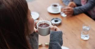 يرمز الشاي إلى السعادة والخير الكثير الذي يرزق به. يوم الشاى العالمى اعرف أبرز 10 عادات مرتبطة بشربه فى العالم اليوم السابع