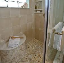 Kleines Badezimmer Mit Spaziergang In Dusche Der Stab Befestigte